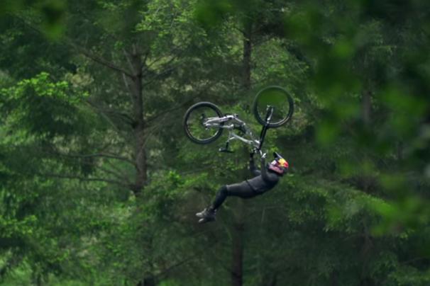 Andreu Lacondeguy Super-flip at the Cruzfest, 2015