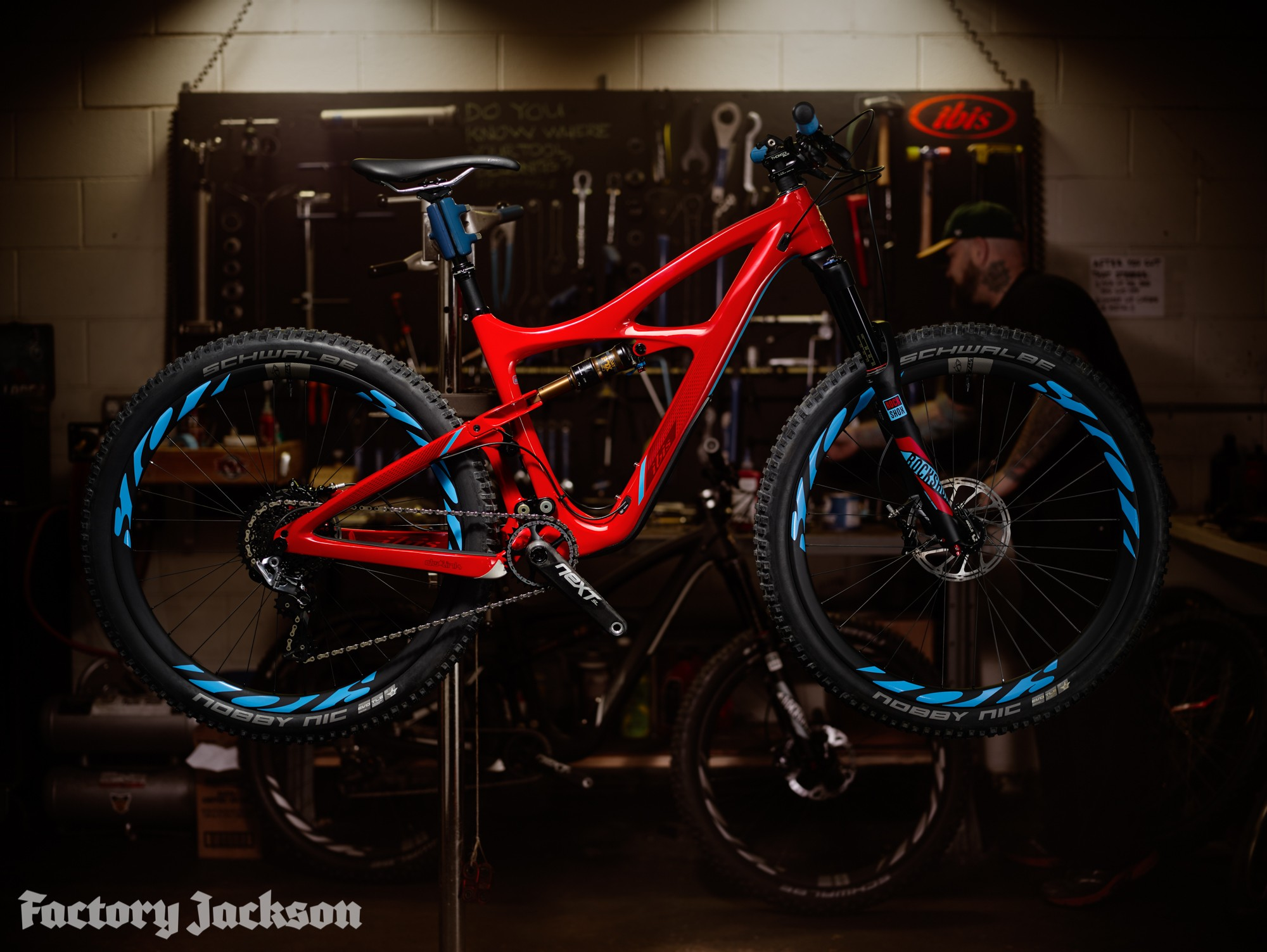 Ibis mojo 3 unveiled bike check factory jackson for Mojo jackson
