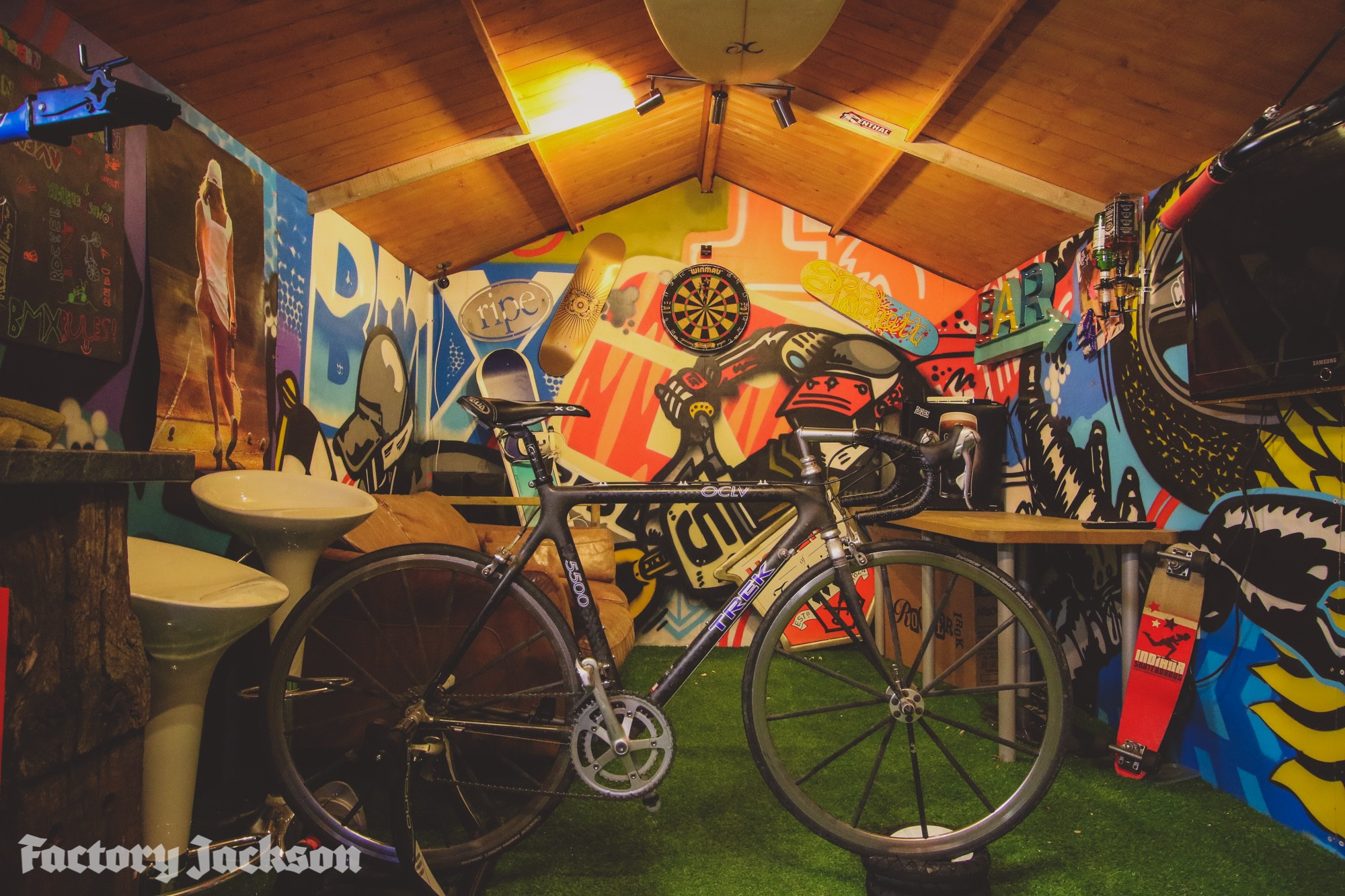 pretty garage ideas - MTB Man Caves