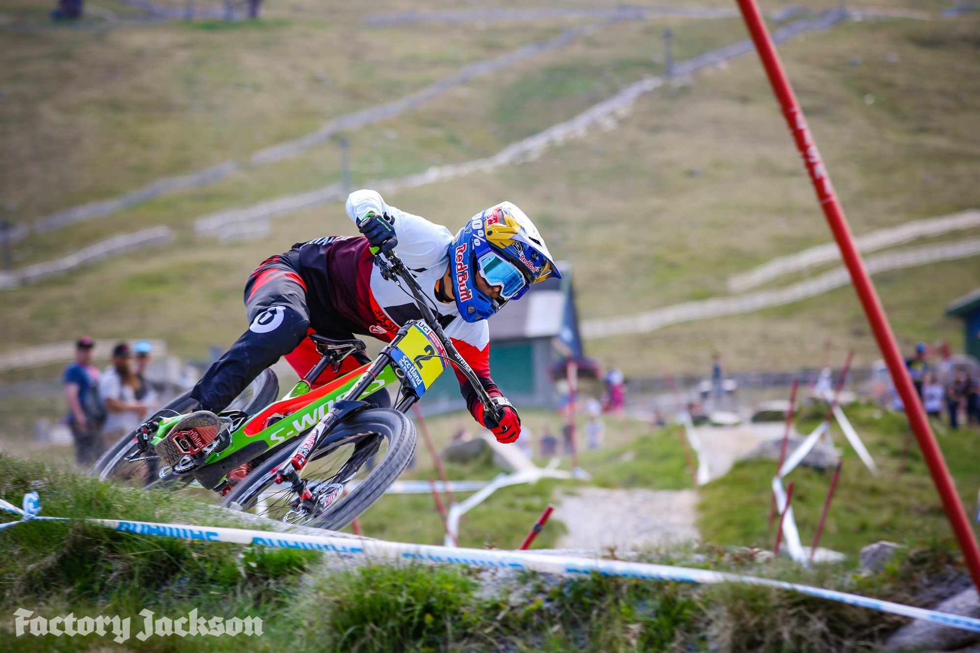 Fort William 2016 - Finn Illes on track