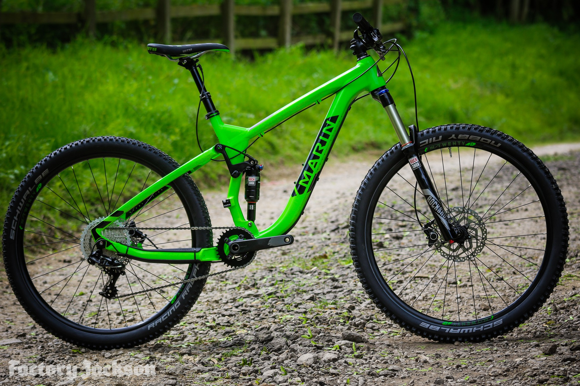 04ed536e55f The 140mm travel Mount Vision is the main trail bike in the Marin 2017 range  – and has models starting with Alloy frames from £1600 up to £5000 for the  Pro ...